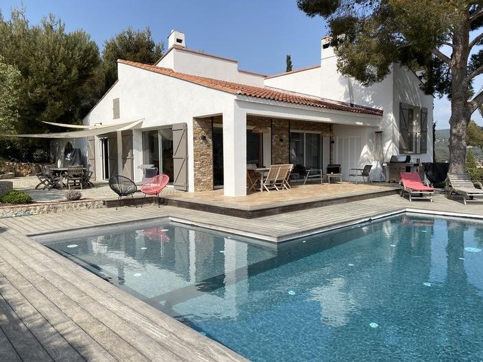 Location Magnifique vue mer, Cap Canaille, vignes, pour cette villa  avec piscine, 8 couchages (dont studio indép.)