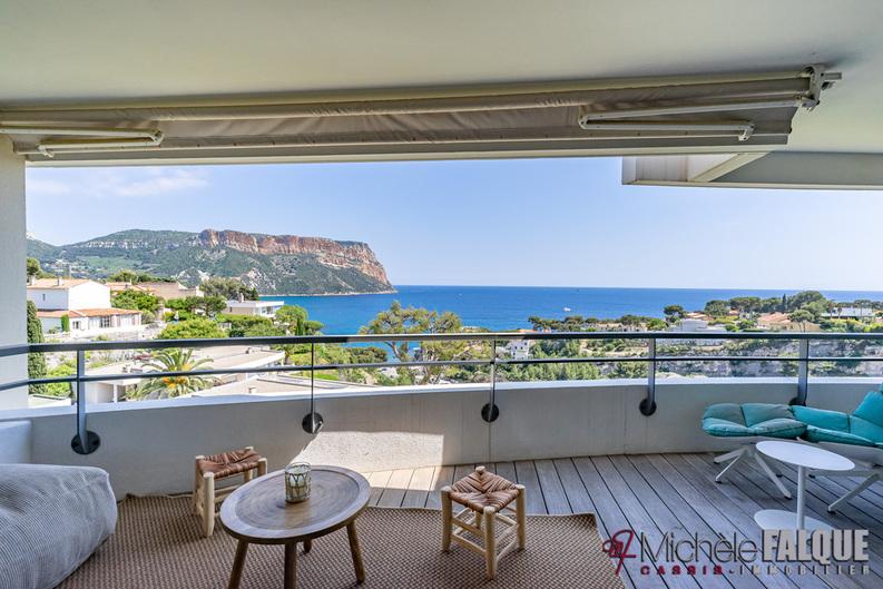 Location Contempler le Cap Canaille et la mer depuis la terrasse, 8 couchages,  parking