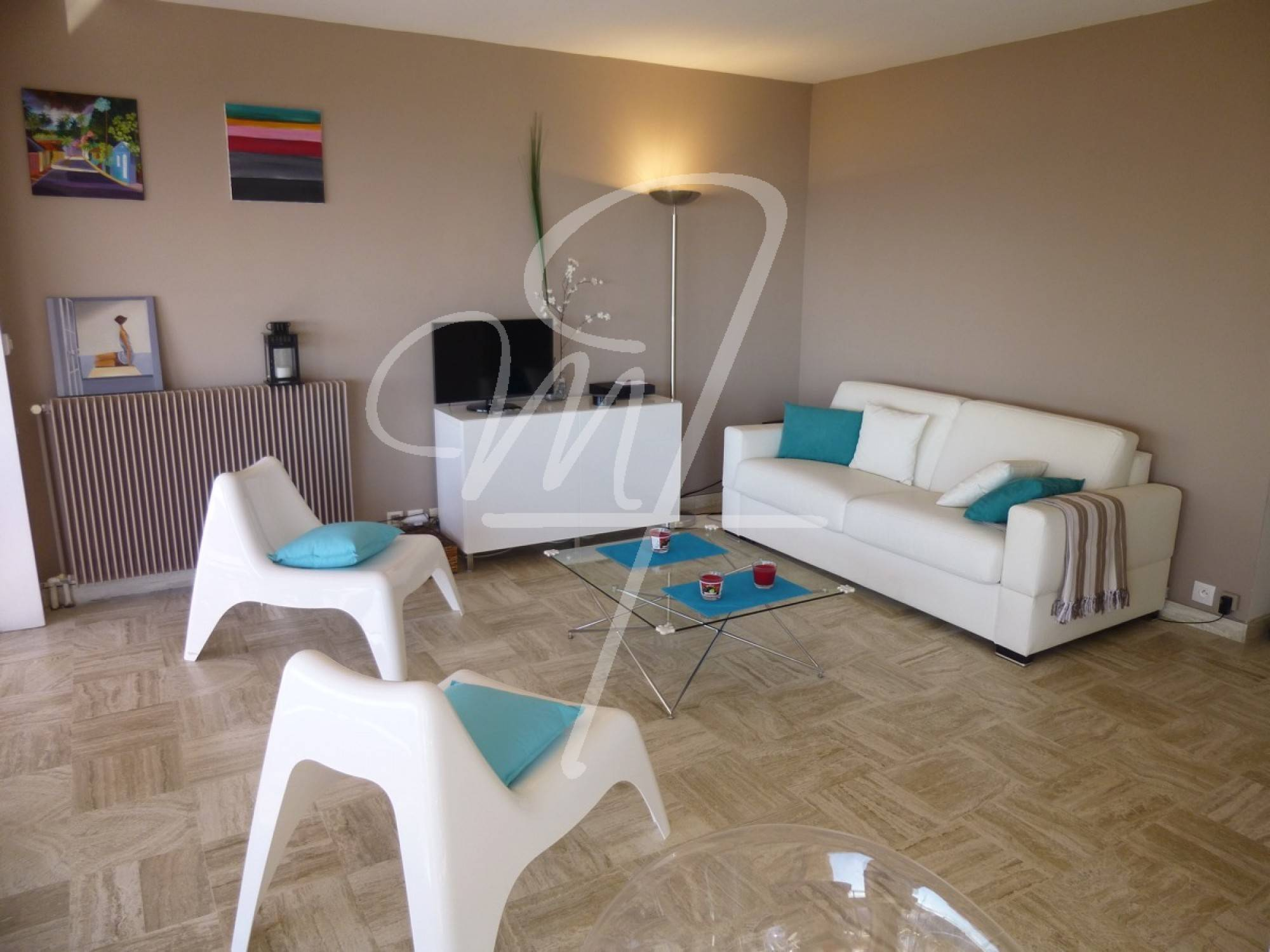 Vente Appartement T2 cassis piscine, ascenseur, vue mer