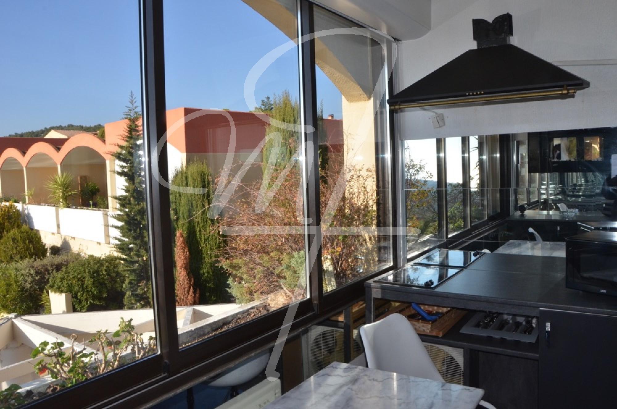 Vente Appartement T1 cassis hauteurs piscine, ascenseur
