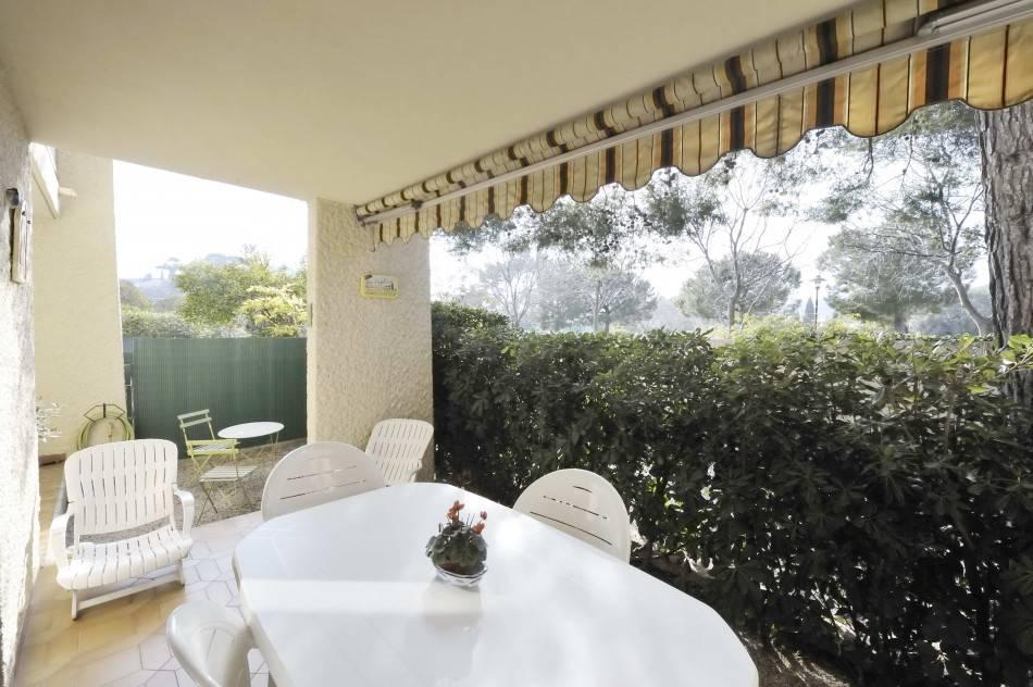 Vente T3/4 Cassis Cassis, centre-ville, appartement de type 3/4 avec terrasse, rez-de-jardin