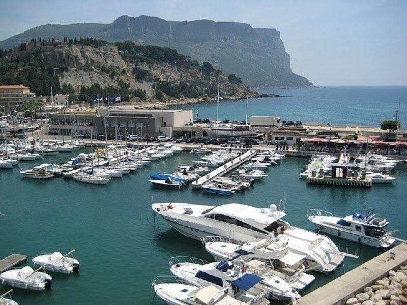 Vente T3 Cassis  sur le port, balcon, vue mer