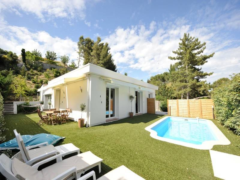 Ventes villa moderne t4 f4 carnoux transactions immobili res cassis agence mich le falque for Villa tres moderne