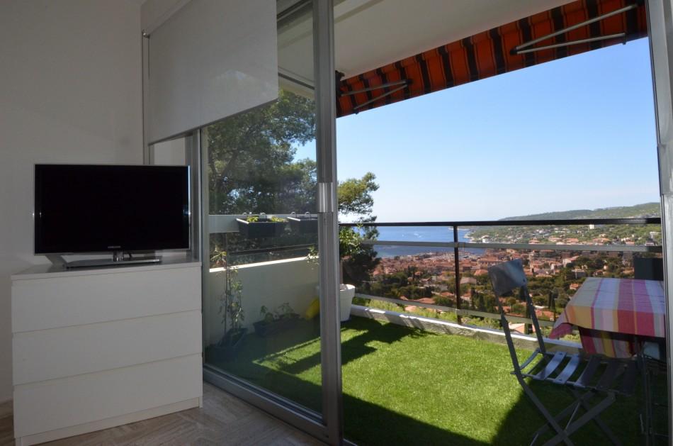 Ventes appartement de standing t3 f3 cassis vue mer for Agence immobiliere la terrasse