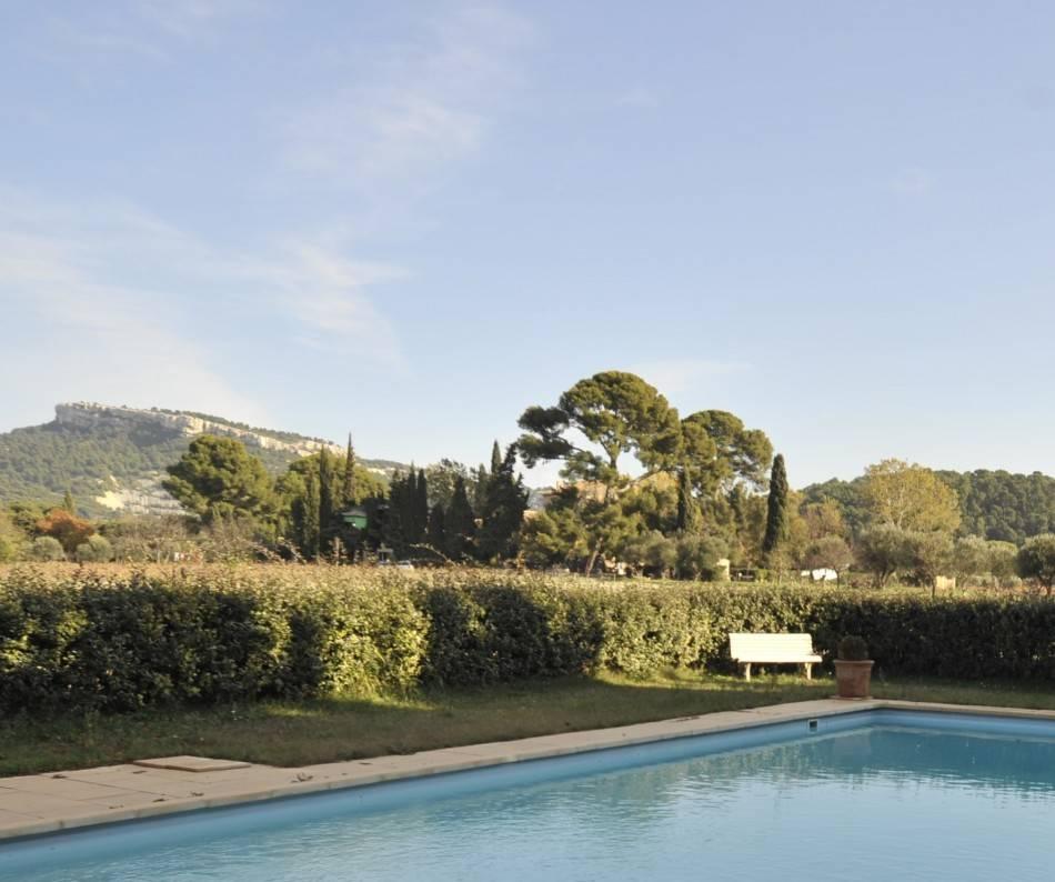 Vente villa de plain pied T4/5 Cassis en campagne, entourée de vignes, piscine