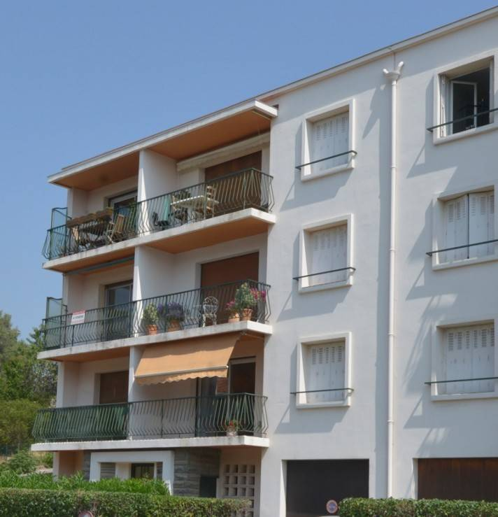 Vente T2 cassis centre terrasse, balcon, prox centre