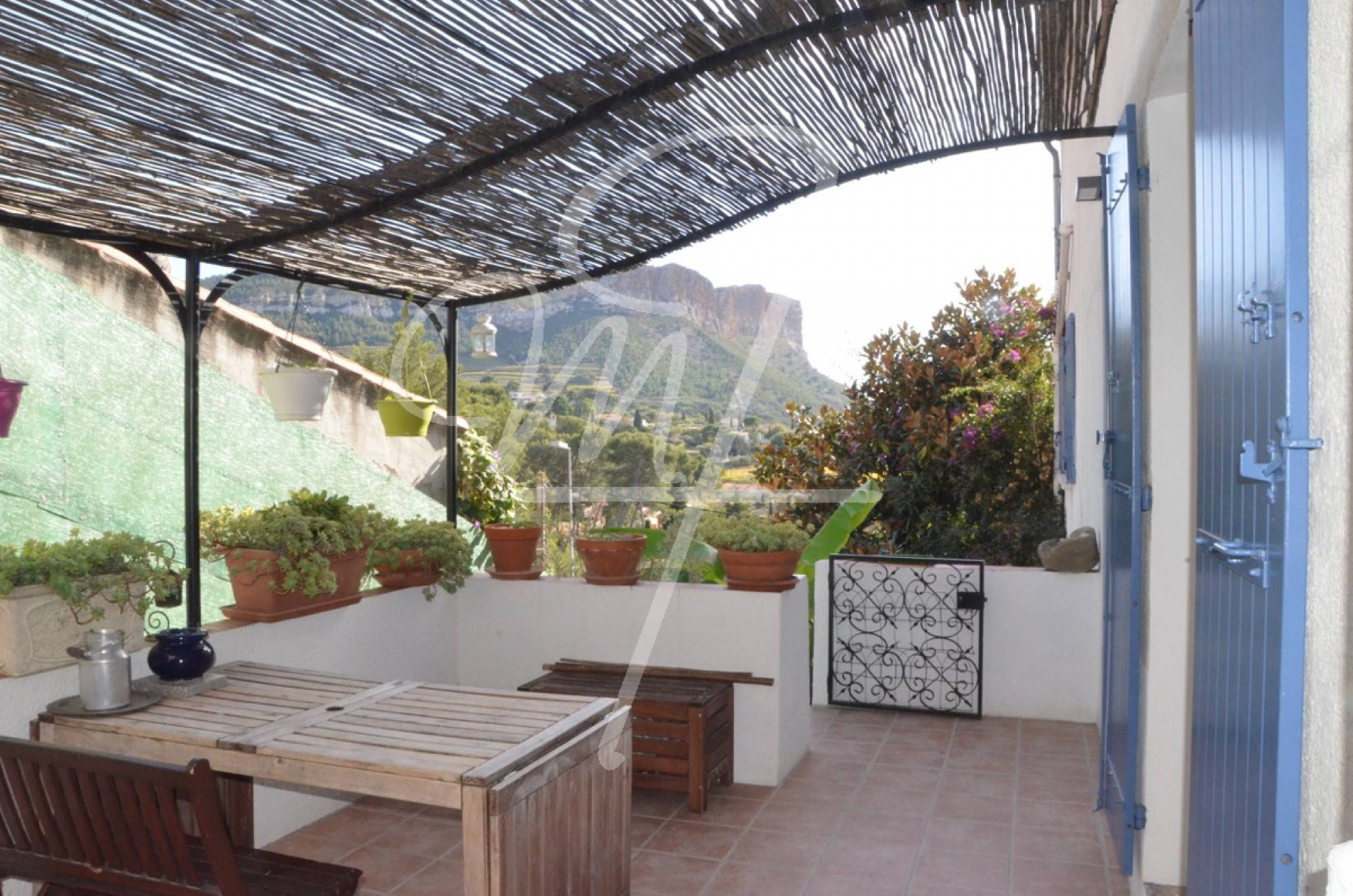 Vente Appartement T2+ cassis 1 km du centre terrasse, place de parking privative