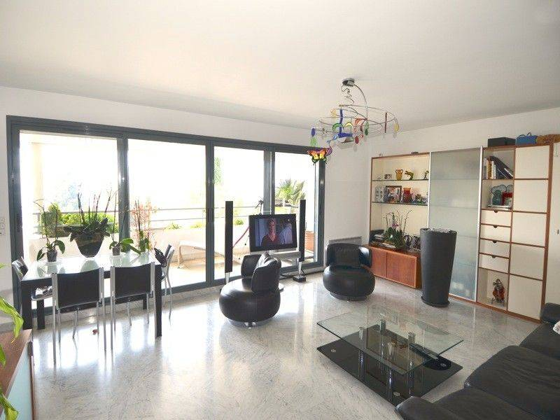Vente appartement de standing T3 cassis plage terrasse, jardin, vue mer, garage, ascenseur