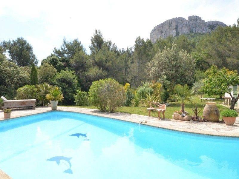 Vente mas T5 roquefort la bedoule piscine, terrain plat, calme, vue dégagée