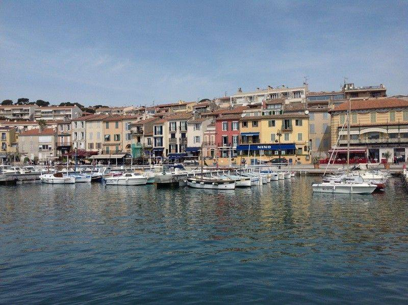 apartment , 4 bedrooms, sea view on the port of cassis