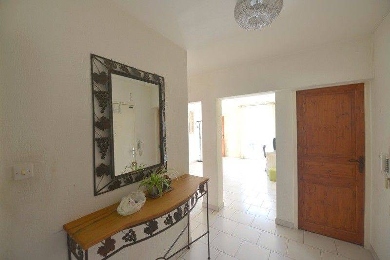 Vente Appartement T4 cassis , prox centre vue mer, parking