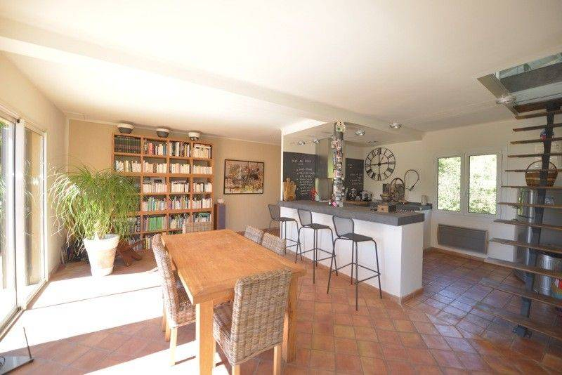 Vente T5 Cassis villa , piscine,  appartement independant